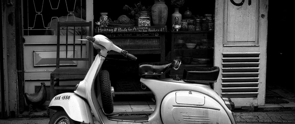 moto antigua seguro aseguradora póliza blanco negro