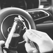 accidente coche conductor borracho beber cerveza seguro aseguradora