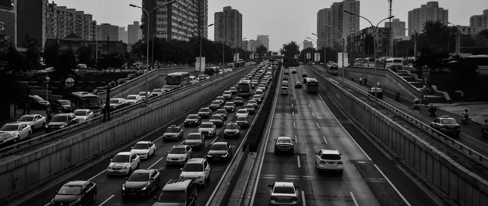 coches carretera atasco convenio seguros indemnización