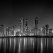 edificios luces noche oscuro buenos malos seguros empresa