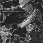 falta de manteniment treballar assegurança taller dona operari